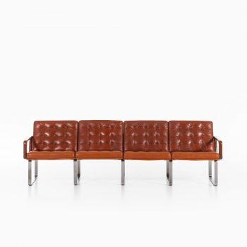 Ole Gjerløv-Knudsen & Torben Lind sofa model Moduline at Studio Schalling