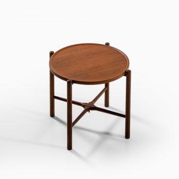 Hans Wegner AT-35 side table at Studio Schalling
