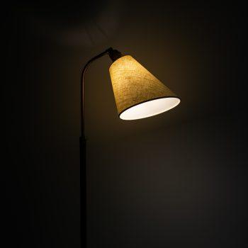 Hans Bergström floor lamp model 545 in brass at Studio Schalling