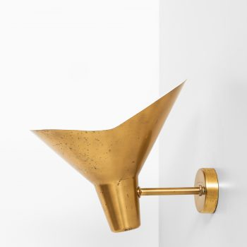 Hans Bergström wall lamp in brass by Ateljé Lyktan at Studio Schalling