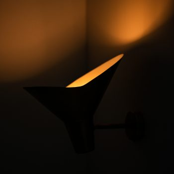 Hans Bergström wall lamp in brass by Ateljé Lyktan at Studio Schalling