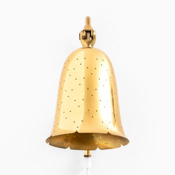 Boréns wall lamps in brass at Studio Schalling