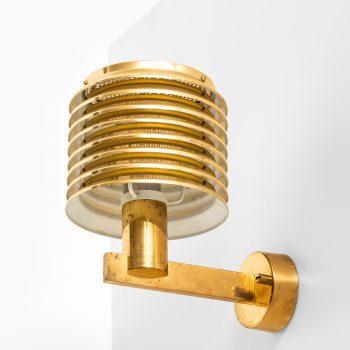 Hans-Agne Jakobsson wall lamps model V-299 in brass at Studio Schalling