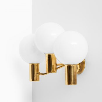 Hans-Agne Jakobsson wall lamps model V-149/3 at Studio Schalling