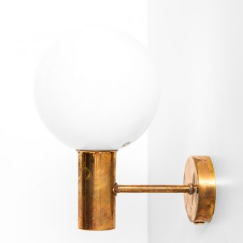Hans-Agne Jakobsson V-149 wall lamps at Studio Schalling