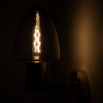Hans-Agne Jakobsson wall lamps model V-220 at Studio Schalling