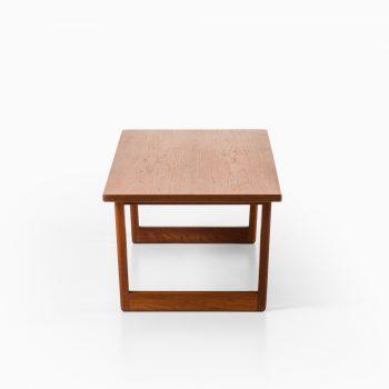 Børge Mogensen coffee table model 261at Studio Schalling