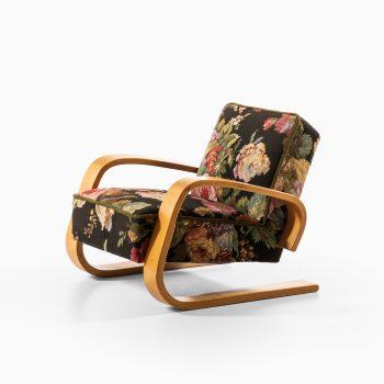 Alvar Aalto the tank chair by Artek at Studio Schalling
