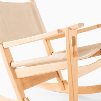 Hans Wegner keyhole rocking chair model GE-273 at Studio Schalling