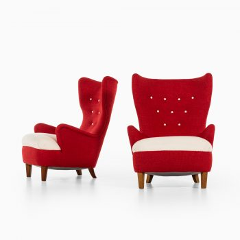 Arne Färnrot easy chairs produced in Sweden at Studio Schalling