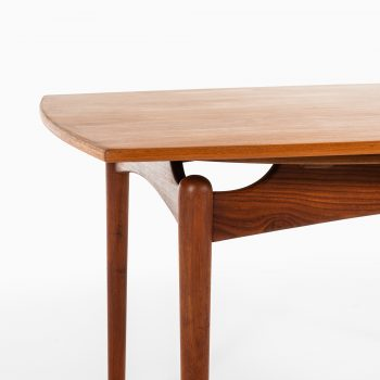 Dining table in teak in the style of Finn Juhl at Studio Schalling