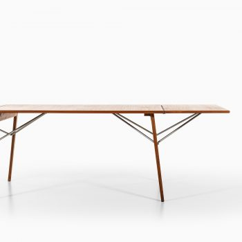Børge Mogensen dining table by Søborg møbler at Studio Schalling