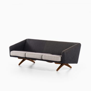 Illum Wikkelsø sofa model ML-90 by Michael Laursen at Studio Schalling
