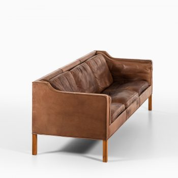 Børge Mogensen sofa model 2213 in brown leather at Studio Schalling