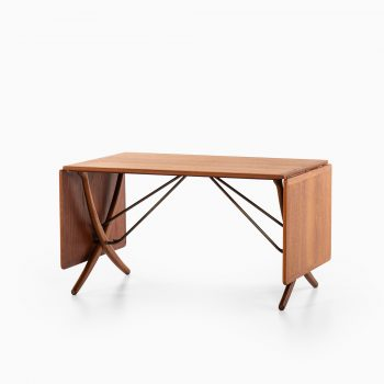 Hans Wegner AT-304 dining table by Andreas Tuck at Studio Schalling