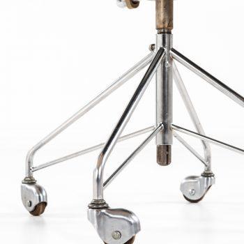 Arne Jacobsen office chair model 3117 at Studio Schalling