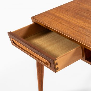 Johannes Andersen attributed coffee table in teak by Trensum at Studio Schalling