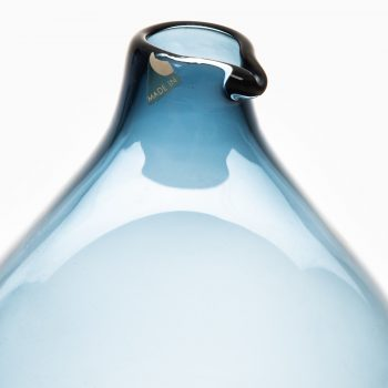 Timo Sarpaneva glass vase model Pullo by Iittala at Studio Schalling