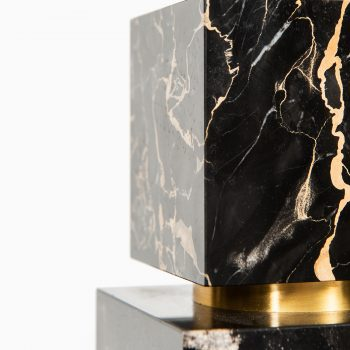Table lamp in brass and marble by unknown designer at Studio Schalling