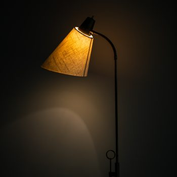 Height adjustable floor lamp by Falkenbergs belysning at Studio Schalling