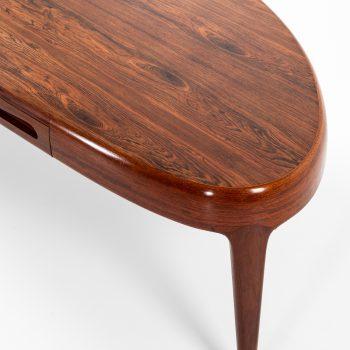Johannes Andersen coffee table model Capri in rosewood at Studio Schalling