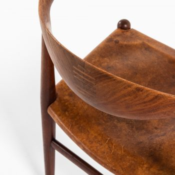 Hans Wegner cowhorn chairs model JH-505 at Studio Schalling