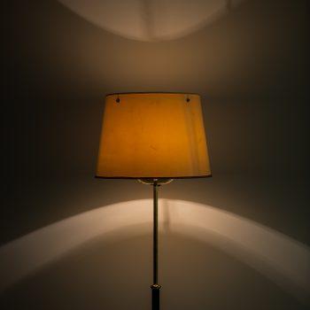 Josef Frank floor lamp model 2564 by Svenskt Tenn at Studio Schalling
