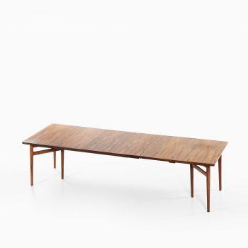Arne Vodder dining table model 201 in rosewood at Studio Schalling