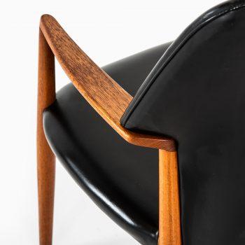 Aksel Bender Madsen & Ejner Larsen armchairs at Studio Schalling