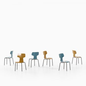 Arne Jacobsen children T-chairs at Studio Schalling