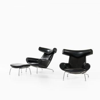 Hans Wegner EJ-100 easy chairs at Studio Schalling