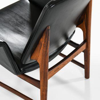 Illum Wikkelsø easy chair model 451 in rosewood at Studio Schalling