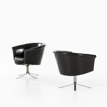 Lennart Bender easy chairs in steel and leather at Studio Schalling