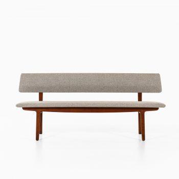 Ejner Larsen & Aksel Bender Madsen sofa by Næstved møbler at Studio Schalling