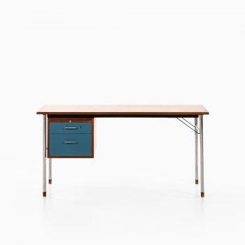 Aksel Bender Madsen & Ejner Larsen desk in teak at Studio Schalling
