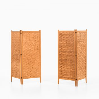 Room dividers in pine and suede by Alberts at Studio Schalling