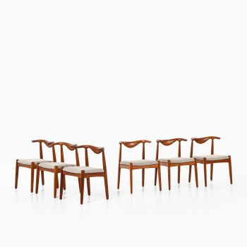 Cowhorn dining chairs in teak at Studio Schalling