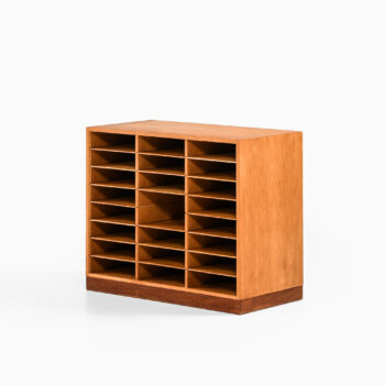 Arne Vodder file cabinet in oak and teak by Vamo Sønderborg