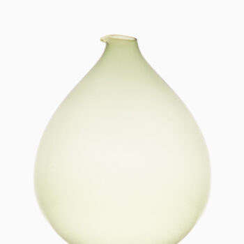 Kjell Blomberg glass vase by Gullaskruf at Studio Schalling