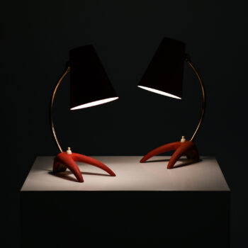 Table lamps in red lacquered metal at Studio Schalling