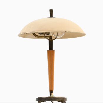 Art Deco table lamp in white lacquered metal at Studio Schalling