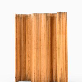 Alvar Aalto room divider in solid pine at Studio Schalling