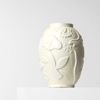 Anna-Lisa Thomson ceramic vase at Studio Schalling