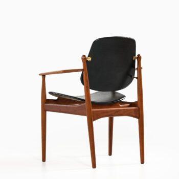 Arne Vodder armchair model FD184/L at Studio Schalling