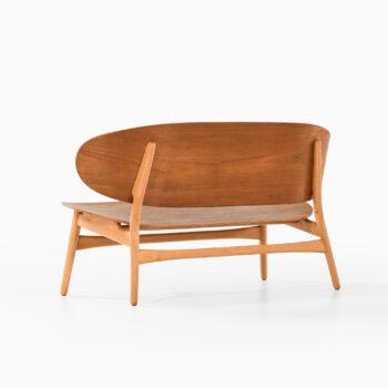Hans Wegner shell sofa model 1935 at Studio Schalling