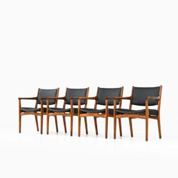 Hans Wegner armchairs model JH-525 at Studio Schalling