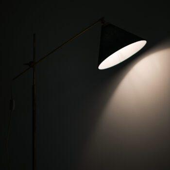 T.H. Valentiner floor lamp in brass at Studio Schalling