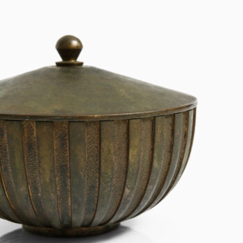 Decorative bronze bowl produced by Tinos at Studio Schalling