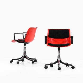 Osvaldo Borsani office chairs model Modus at Studio Schalling