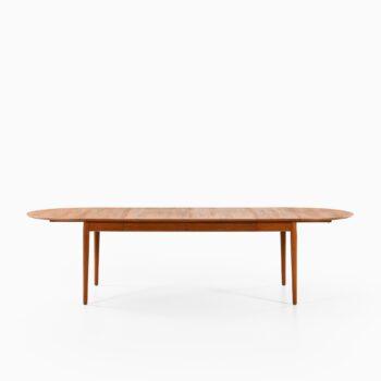 Arne Vodder dining table model 227 at Studio Schalling